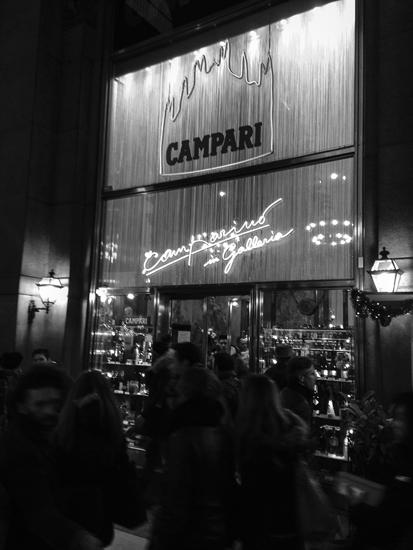 冬のミラノのメルカート