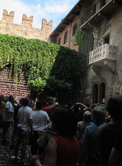 イタリアの恋のパワースポット!? 「ジュリエットの家」