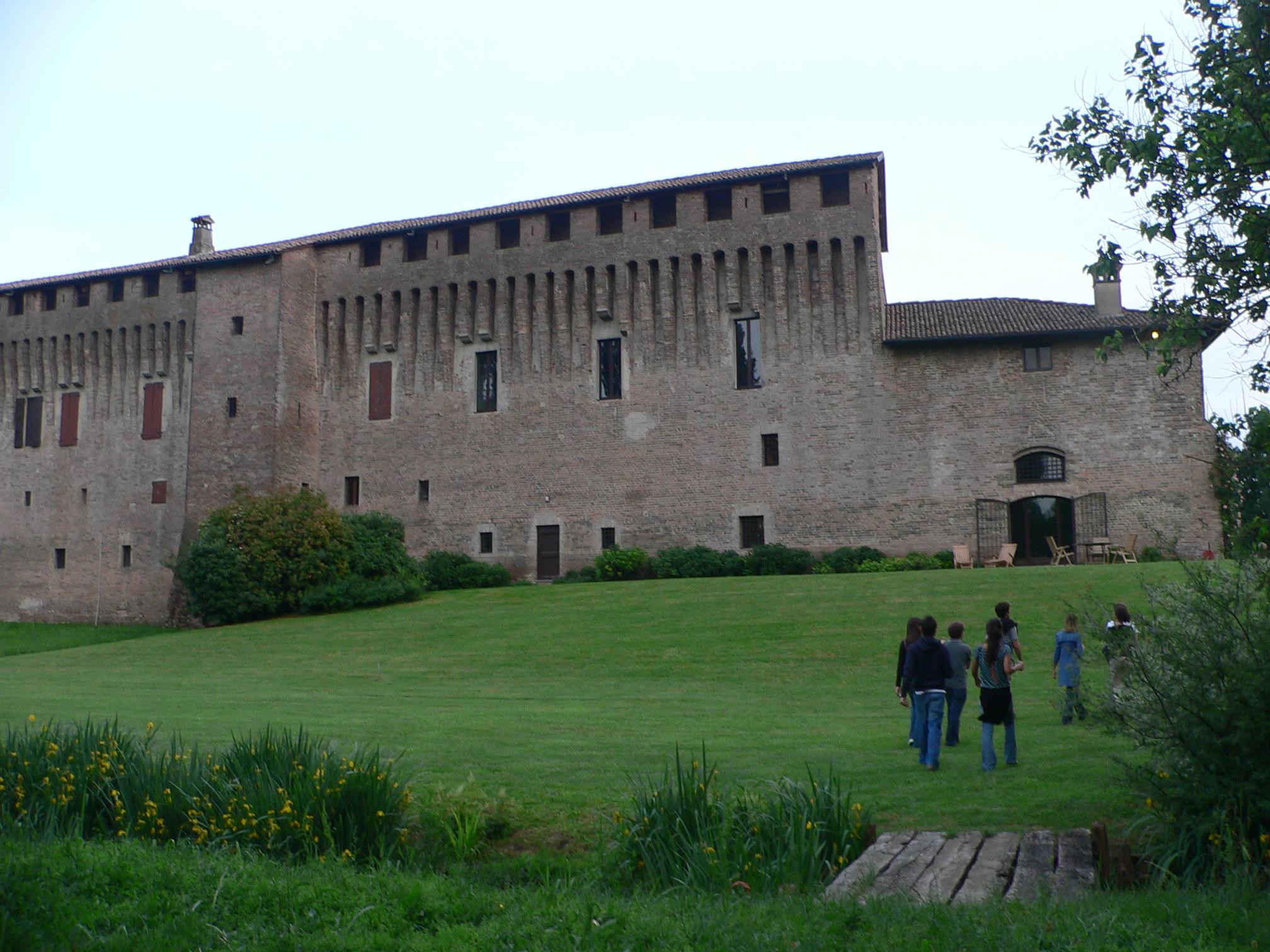 イタリアのお城で過ごす、初夏の週末